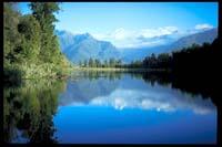 Lake Matheson vor Mount Cook und Mount Tasman