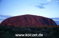 Ayers Rock während des Sonnenaufgangs